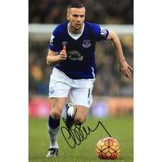 """Tom Cleverley Hand Signed 12x8"""" Photograph"""