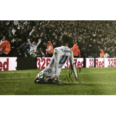"""Tyler Roberts Hand Signed 12x8"""" Photograph"""