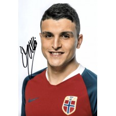 """Mohamed Elyounoussi Hand Signed 12x8"""" Photograph"""